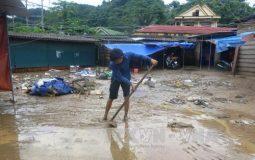 Hỗ trợ 400 hộ gia đình tại Quảng Bình sửa nhà sau lũ