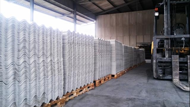 Tăng cường quản lý amiăng trắng trong sản xuất tấm lợp