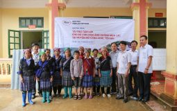 The AC roofsheet donation program in Mu Cang Chai District on 15 August 2017