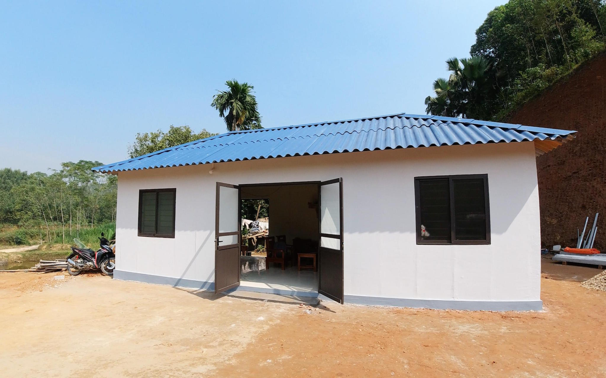 """20 ngày """"lắp ghép"""" một căn nhà trong mơ cho người nghèo"""