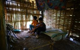 The poor situation of the elderly woman in house-giving project of Vietnam National Roofsheet Association